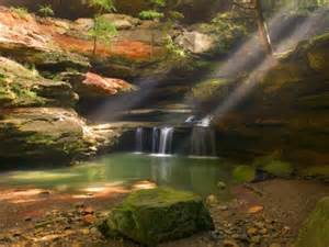 Rays Of Wisdom - Astrology As A Lifehelp In Relationship Healing - Learning To Tap Into The Inner Wellspring