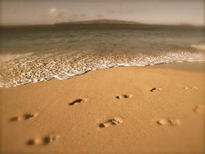 Rays Of Wisdom - Words Of Hope And Encouragement - Footprints